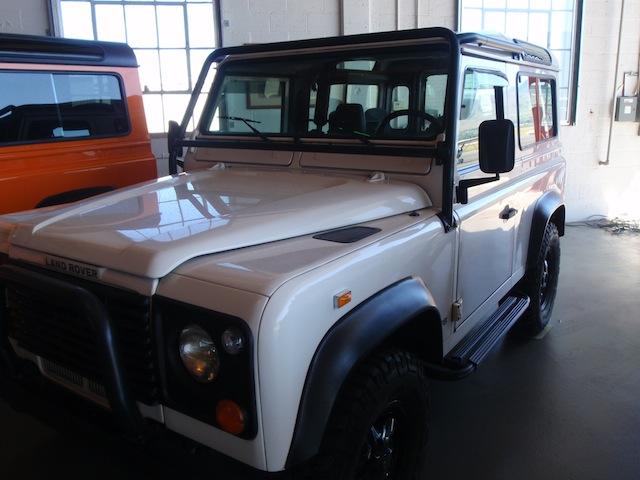 1997 Land Rover Defender 90 (White)