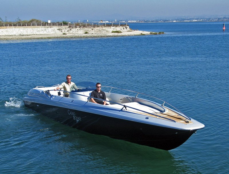 2006 Sunseeker XS Sport Power Twin Yanmar 440 HP