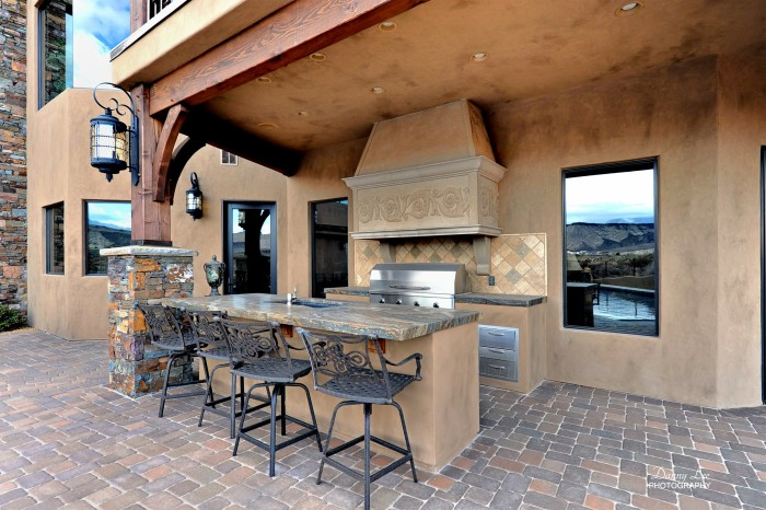 Outdoor-kitchen-b-e1320530952265